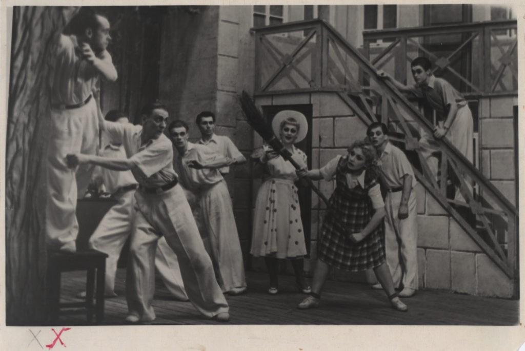 В. Малясова, Н. Грюнберг (Цагина) (оперетта «Белая акация», 1956 г.): фотография