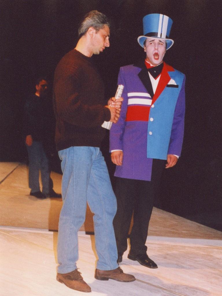 В. Штыпс на репетиции оперы «Пиковая дама», 2001 г.: фотография