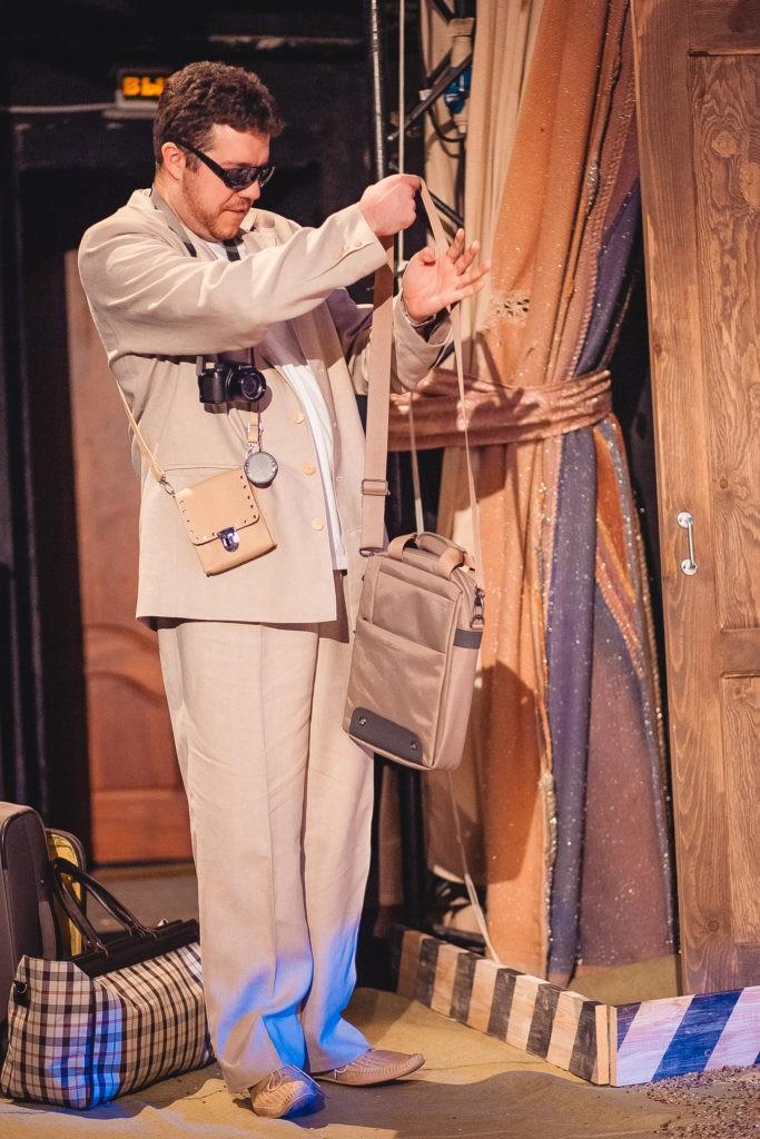 Г. Забавин (спектакль «Утюги»): фотография