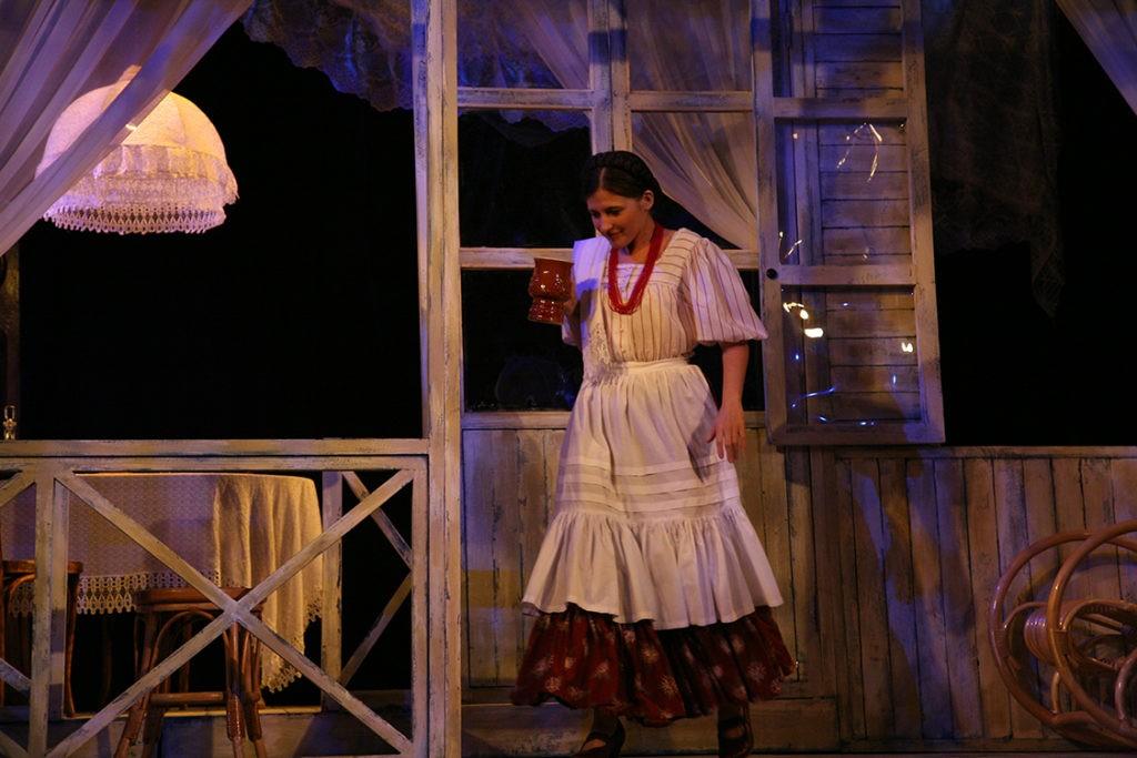 С. Лопина (спектакль «Месяц в деревне»): фотография