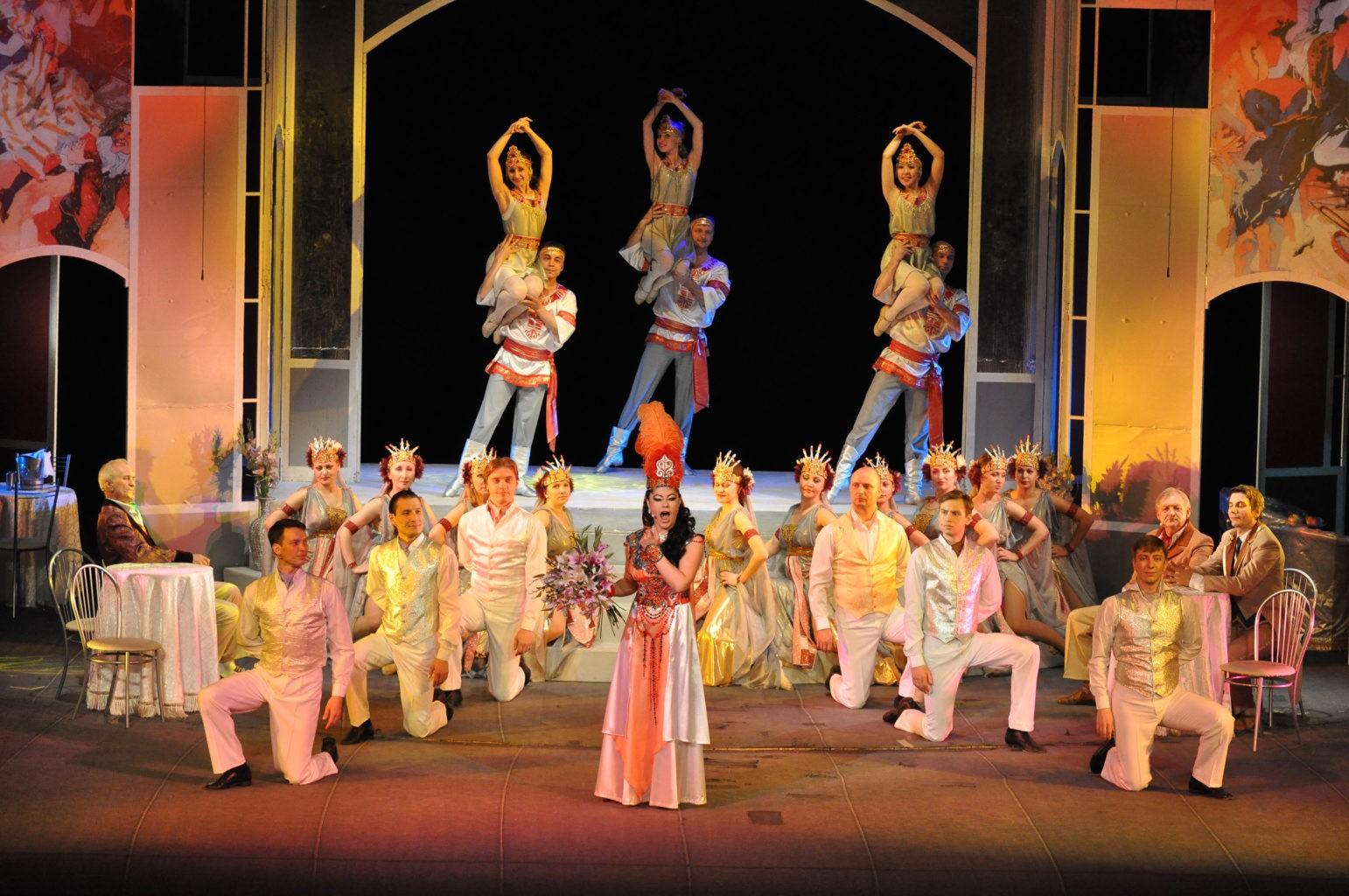 Сцена из спектакля «Сильва»: фотография