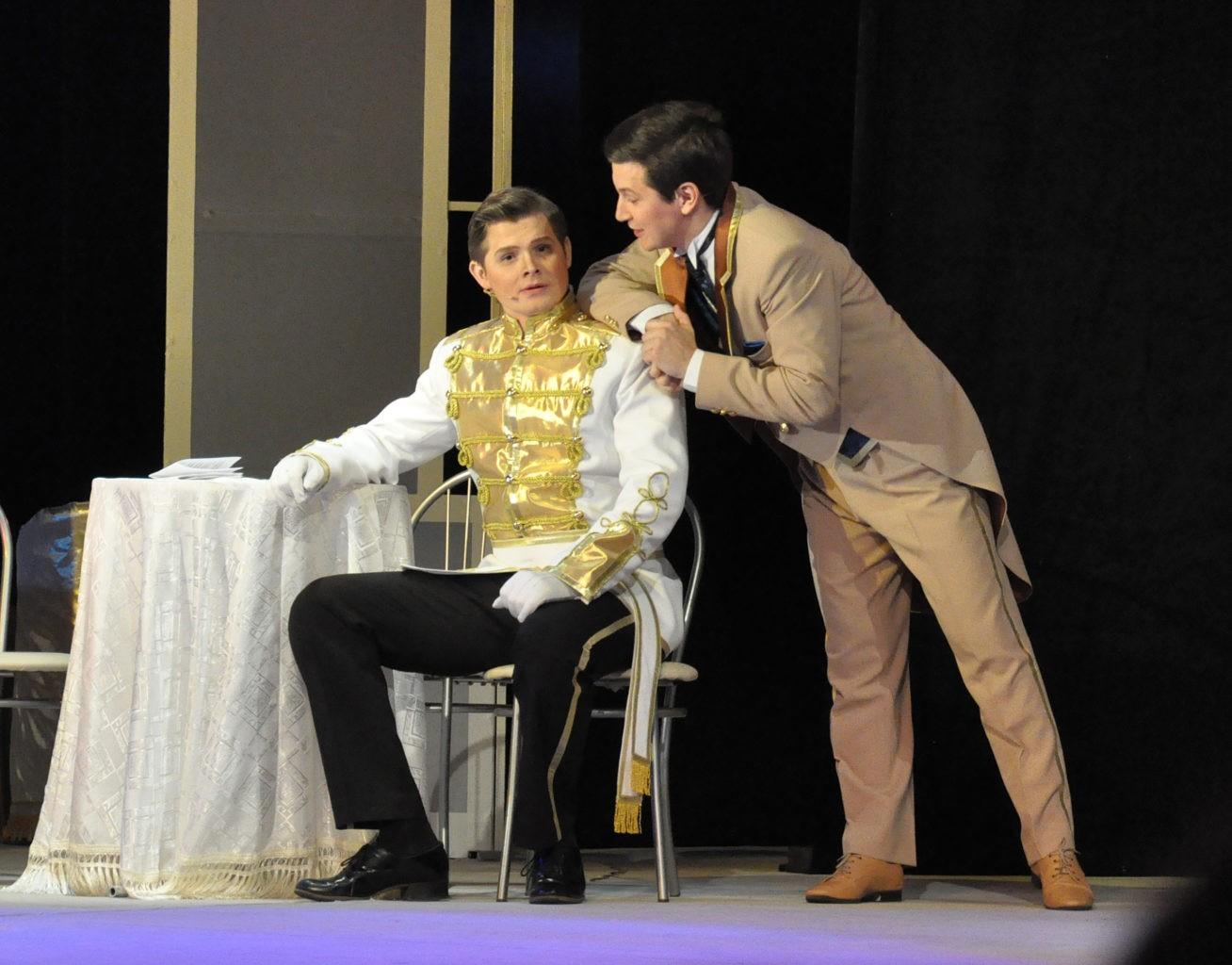 В. Жуков и В. Соболев (спектакль «Сильва»): фотография