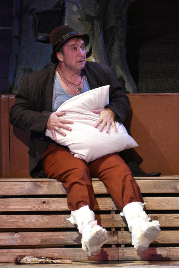 О. Брылёв (спектакль «Человек и джентльмен»): фотография