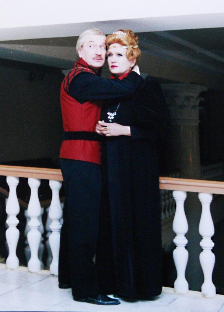 Е. Шокин, Л. Цуканова (спектакль «Гамлет»), 1995 г.: фотография