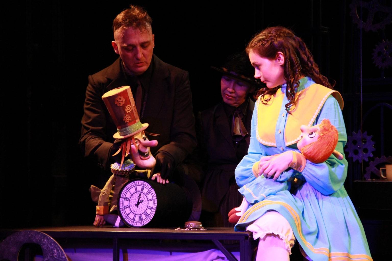 А. Ахмедов, Н. Синюкова (спектакль «Алиса в стране чудес»): фотография