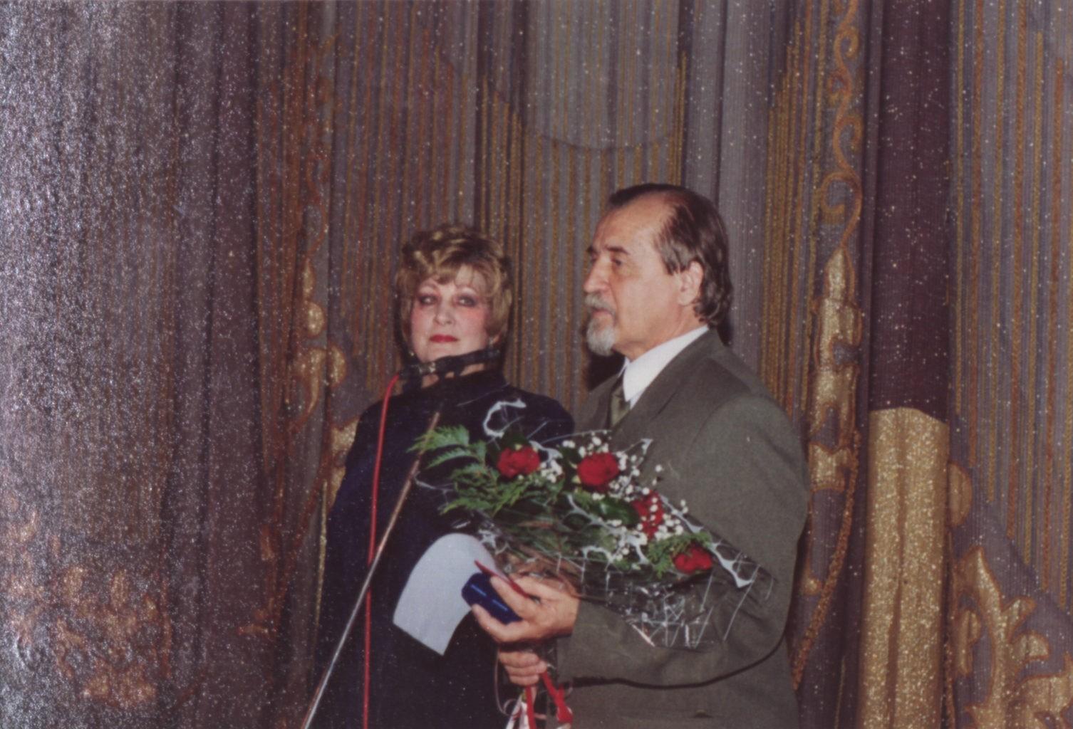 Бенефис С. Царёвой (С. Царёва, В. Бедин, начальник департамента культуры Кемеровской области), 27 марта 2004 г.: фотография