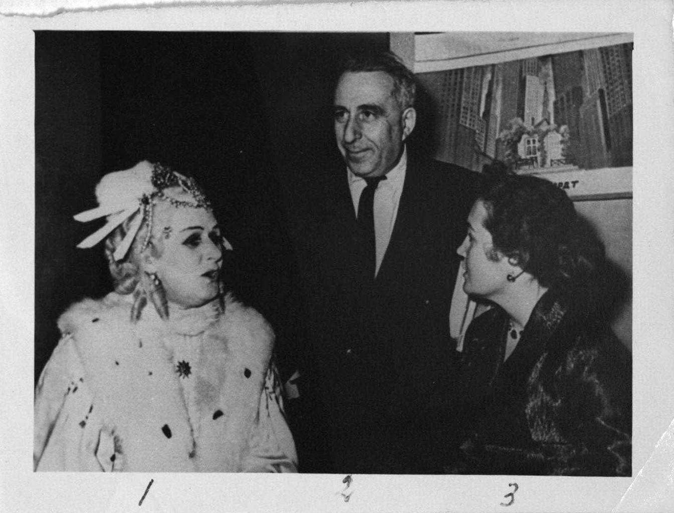 На репетиции спектакля «Егор Булычов и другие». 1954-1956 гг: фотография