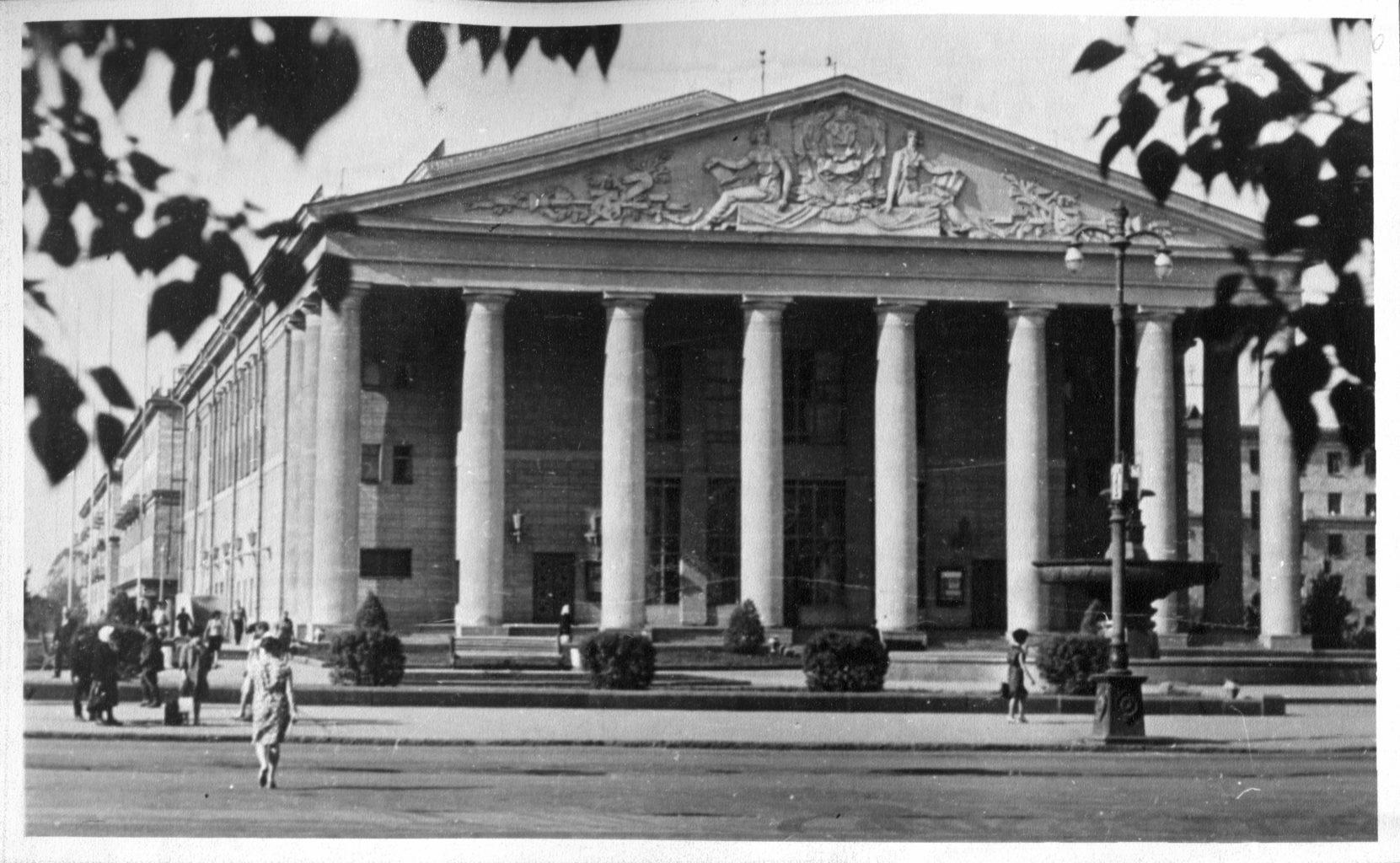 Кемеровский областной театр драмы: фотография
