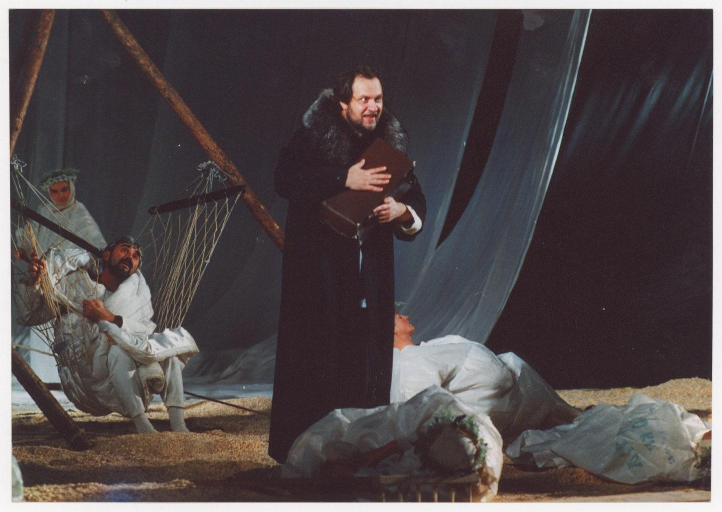 О. Ширшин, А. Коротицкий (спектакль «Мёртвые души» сезон 2001-2002 гг.): фото
