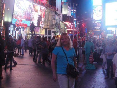 Творческая поездка театра кукол «Сказ» в США. Нью-Йорк, Бродвей, 2013 г.: фотография