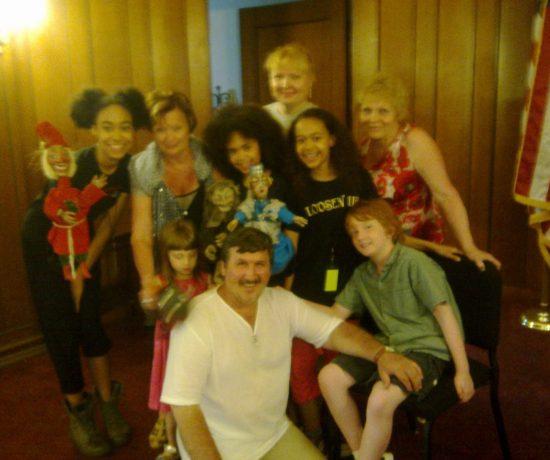 Творческая группа Новокузнецкого театра кукол «Сказ» после мастер-класса г. Бренфорд, США, 2013 г.: фотография
